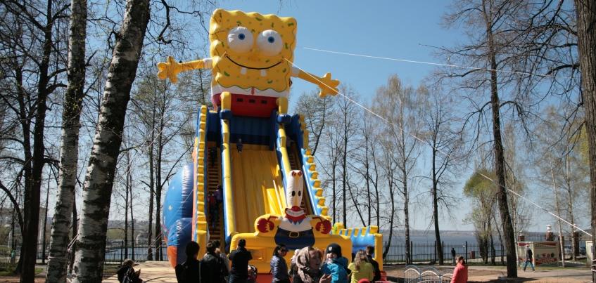 В летнем саду Ижевска появился самый большой батут России