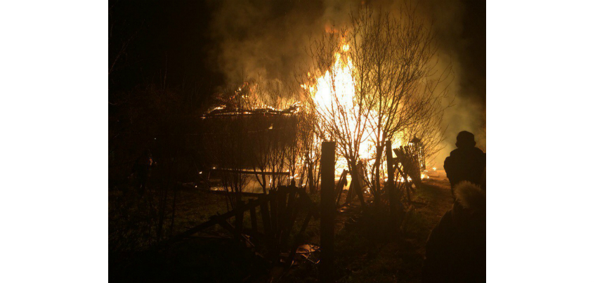 Двухквартирный жилой дом в Завьяловском районе Удмуртии сгорел дотла