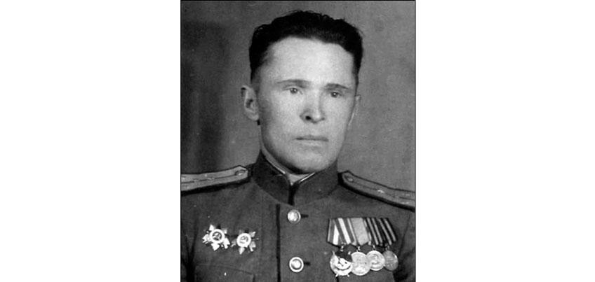 Деревенский учитель из Удмуртии принял участие в Параде Победы 45-го