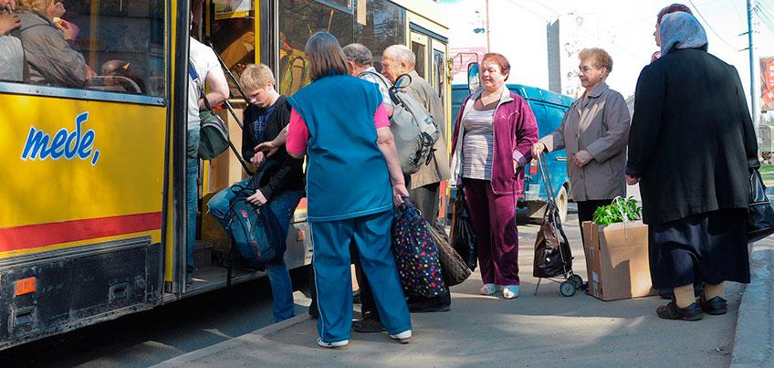 Ижевчане могут бесплатно провозить ручные тележки в общественном транспорте
