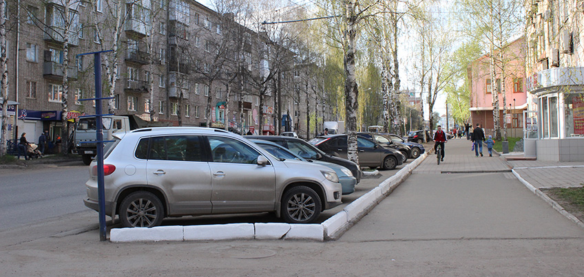 Дорожные изменения в Ижевске: запретят ночную парковку на Воровского
