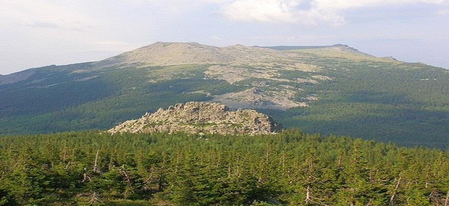 Двоих туристов из Ижевска спасли с горы в Челябинской области