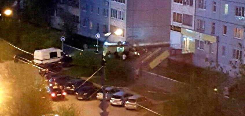 Молодая девушка упала из окна многоэтажки в Ижевске