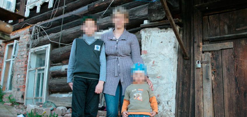 В Ижевске мужчина выселил жену и четырех детей из дома