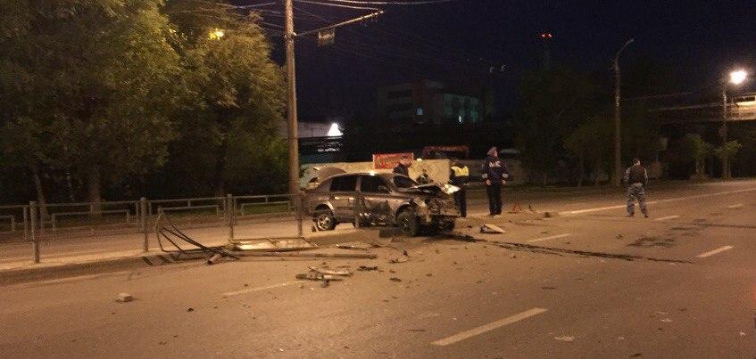 Ночью в Ижевске на улице Новоажимова произошло ДТП