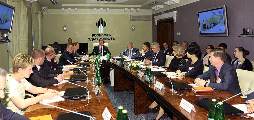 «Удмуртнефть» обсудила сотрудничество с правительством Удмуртии и главами сельских районов