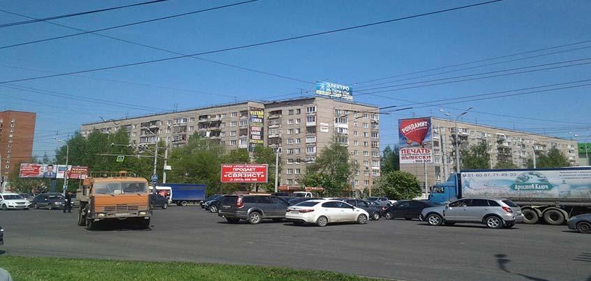 В Ижевске на перекрестке улиц 10 лет октября - Удмуртская не работает светофор