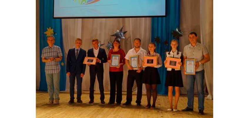 Кубки, грамоты и денежные сертификаты получили победители городского этапа «Президентских состязаний» и «Президентских спортивных игр»