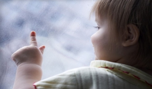В Ижевске из окна выпал двухлетний ребенок