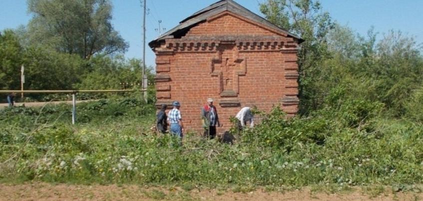 В Каракулинском районе Удмуртии нашли заброшенную часовню