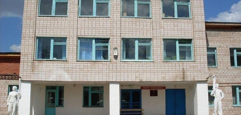 В Удмуртии учитель ударила школьника: он возмущался, что мальчиков заставили переписывать задание