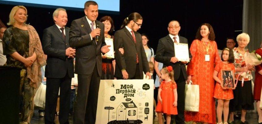 Семья с 9 детьми стала победителями в номинации «Родительская слава» на окружном конкурсе