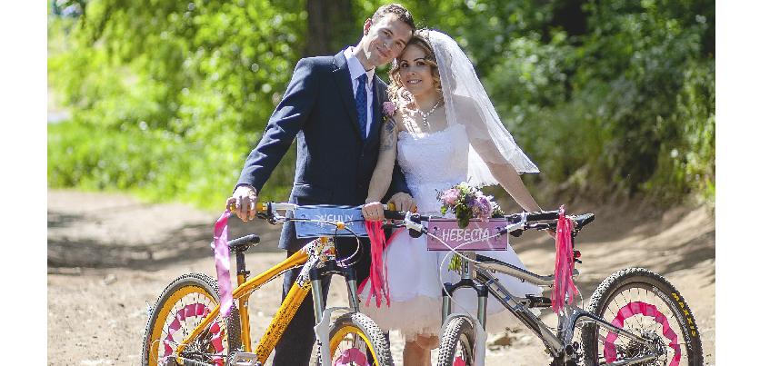 Велосипедная свадьба прошла в Ижевске