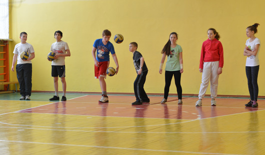 На уроках физкультуры российские школьники будут танцевать рок-н-ролл
