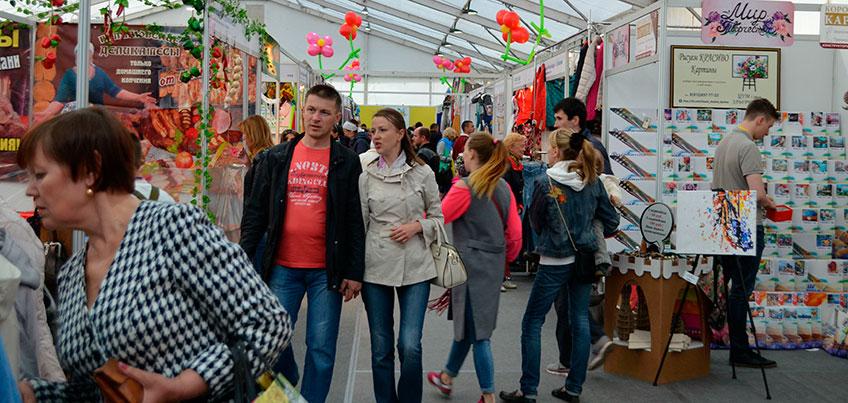Летняя ярмарка знакомит ижевчан с новинками от российских производителей