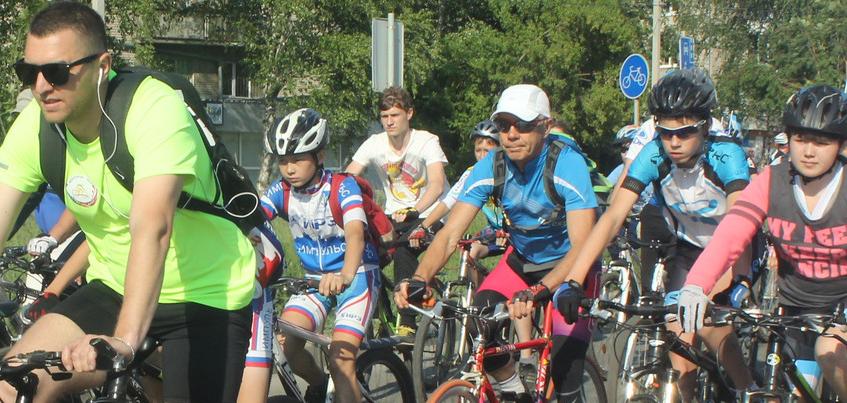 Ижевский велопарад, посвященный Дню города, собрал более 1,5 тысяч участников