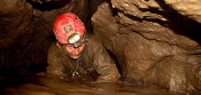 Спасатели помогли выбраться ижевчанину из пещеры в Пермском крае