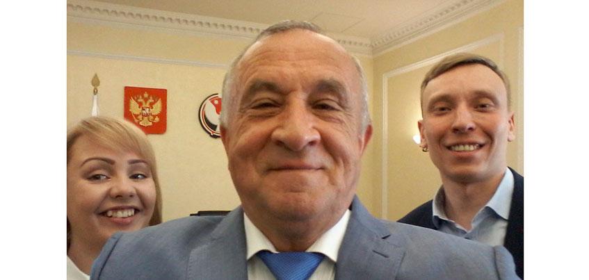 Здравствуйте, я «Вконтакте»: Глава Удмуртии завел аккаунт в популярной соцсети