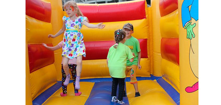 В День города в Ижевске прошел детский праздник у «Колизея»
