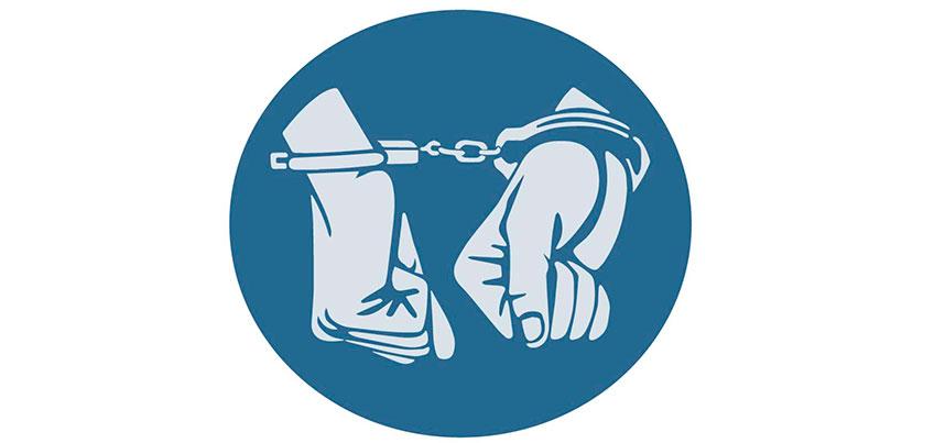 В Удмуртии пьяный мужчина ударил полицейского в живот отверткой