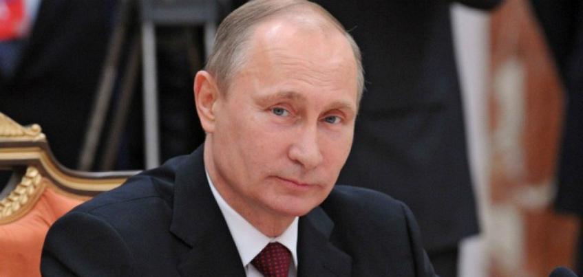 Владимир Путин наградил 2 заводских рабочих из Удмуртии