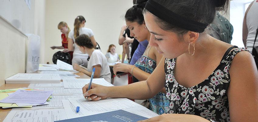 Приемная кампания 2016: УдГУ примет рекордное количество студентов, а ИГМА повысит стоимость обучения на 12 тыс. руб
