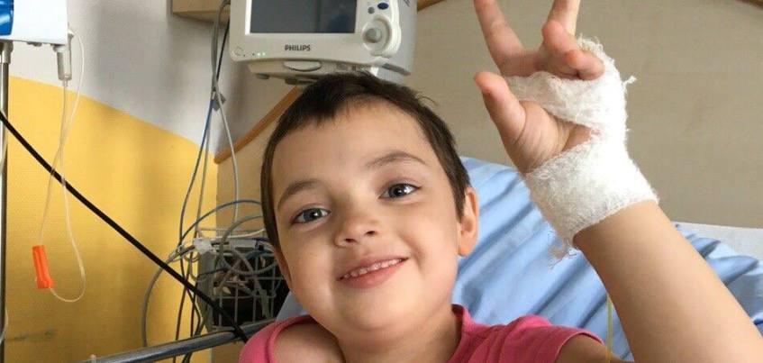 Аня Кривенко из Ижевска, которая полгода лечилась в клинике в Германии от редкой болезни, возвращается домой