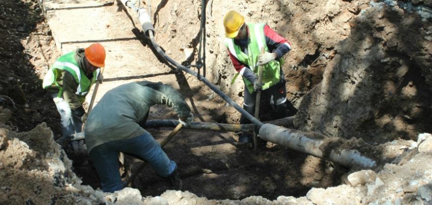 УКС оштрафовали на 300 тысяч рублей за отсутствие ограждений вокруг раскопанных участков