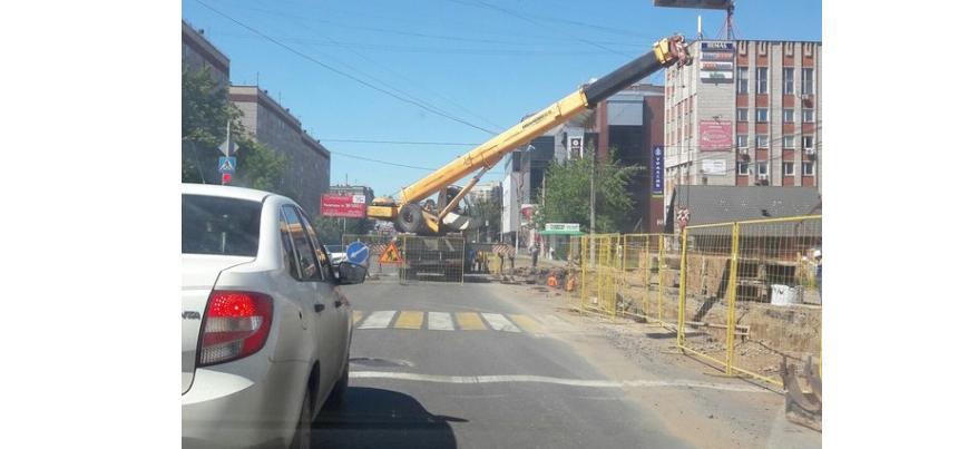В Ижевске из-за ремонта труб ограничили движение по улице Холмогорова