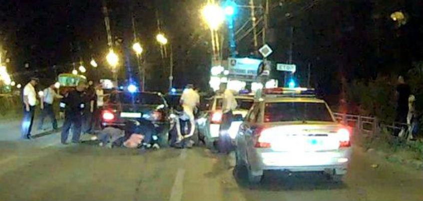 Водителей, устроивших ночные гонки с полицией в Ижевске, задержали