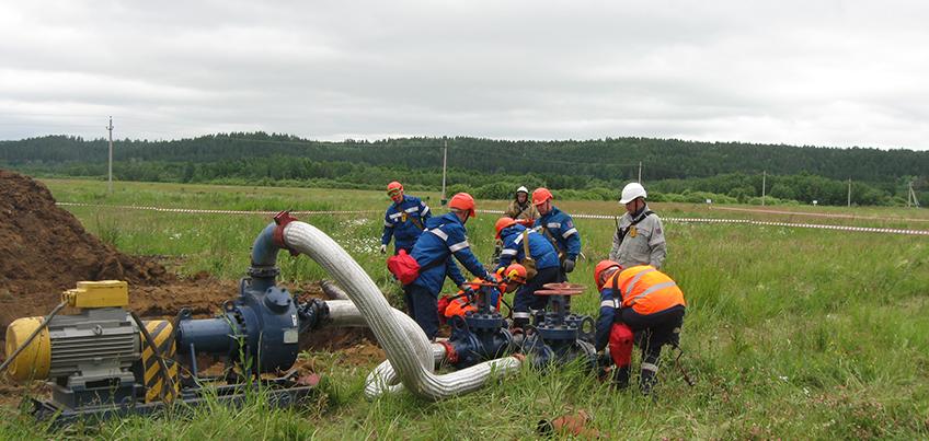 В Удмуртском РНУ прошли учения по ликвидации условного выхода нефти из нефтепровода