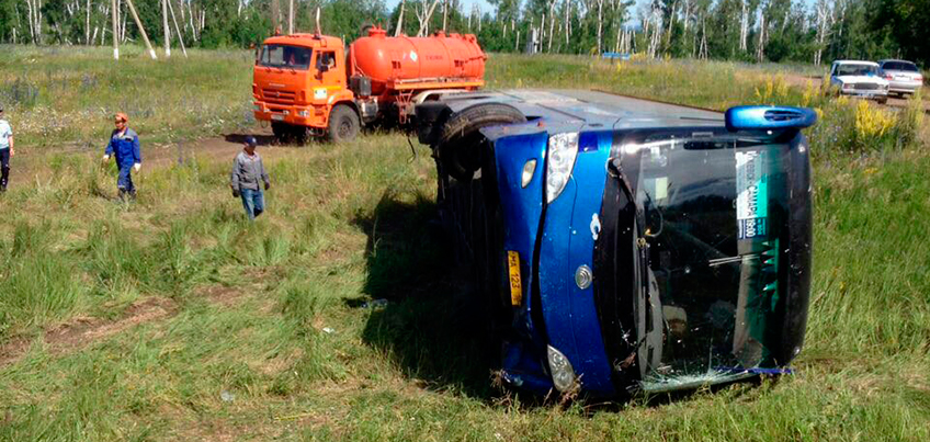 Водитель перевернувшегося автобуса Самара-Ижевск был зол и хамил пассажирам