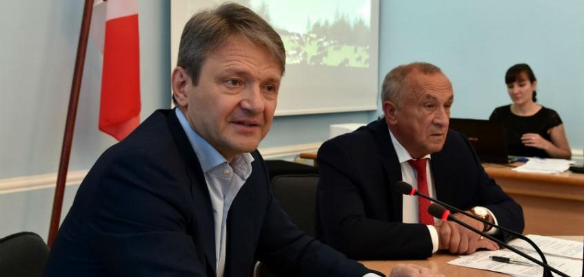 Поддержка «Миллиону тонн молока» и запрет на турецкие абрикосы: Удмуртию посетил Глава Минсельхоза России