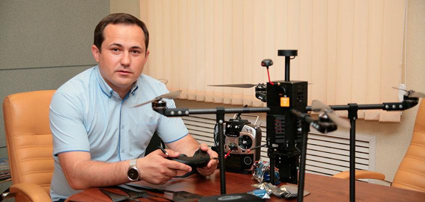 Хобби больших боссов: директор ижевской строительной компании собирает роботов