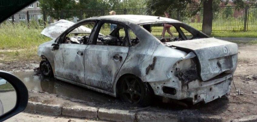 В Ижевске на улице Восточная загорелось несколько автомобилей