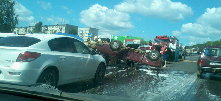 В ДТП на улице Азина в Ижевске пострадали три автомобиля