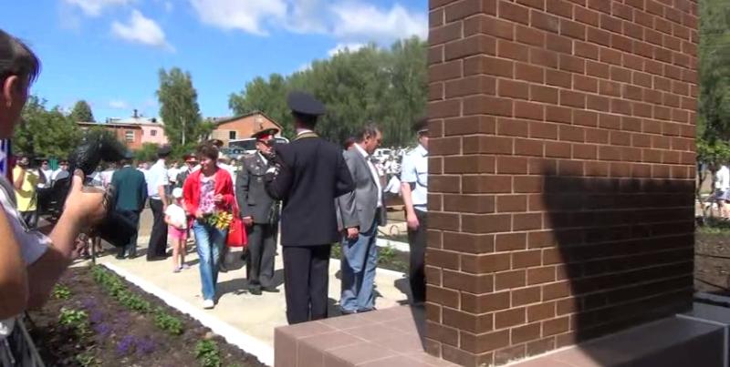 7 милиционерам, погибшим в Великой Отечественной войне поставили памятник в Удмуртии