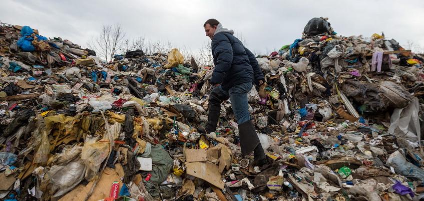 На сельхозугодья в Удмуртии выбрасывают мусор