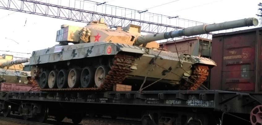 Фото: Китайские танки проехали через Можгу