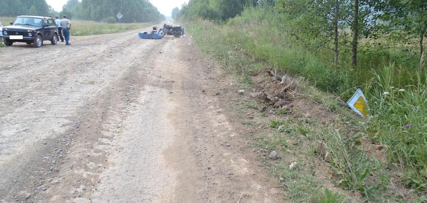 Пьяный мотоциклист в Удмуртии врезался в дорожный знак и перевернулся