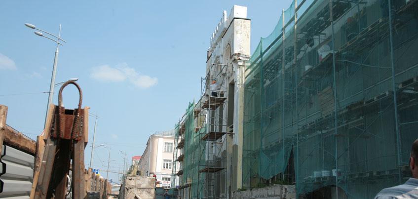 В Ижевске к августу отремонтируют фасад театра имени Короленко