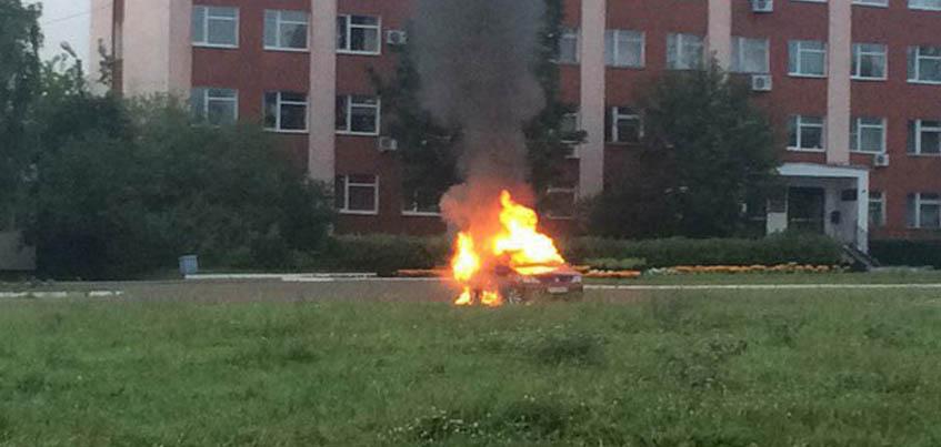 В Удмуртии в горящем автомобиле погиб можгинец