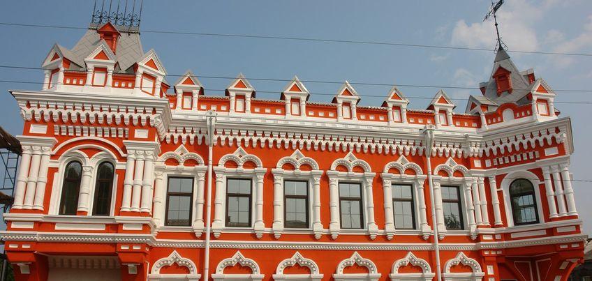 Обновленный дом купца Башенина в Сарапуле привлек внимание Интернет-пользователей яркими красками