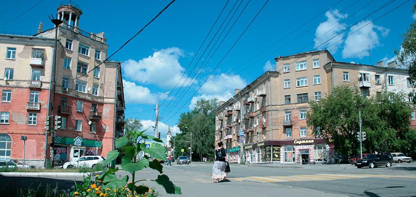 Первое кафе-автомат и столовая с бесплатным хлебом: какой была улица Горького 60 лет назад?