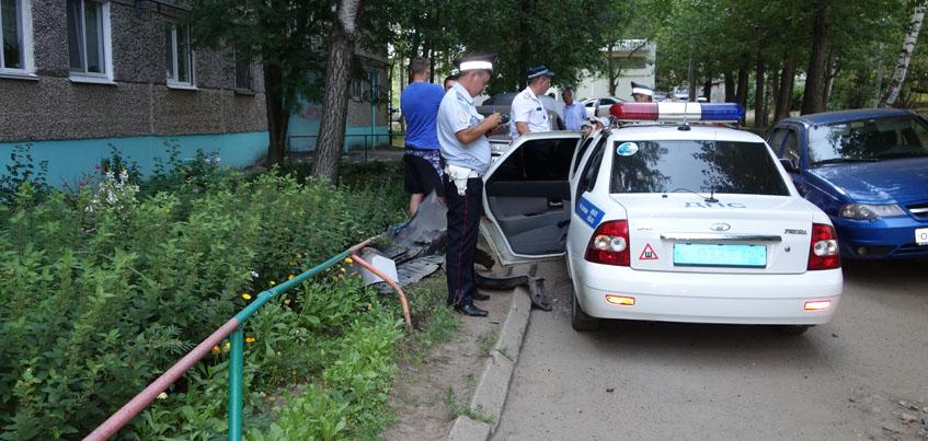 Пьяный ижевчанин, любивший алкогольные коктейли, пытался скрыться от полиции на авто