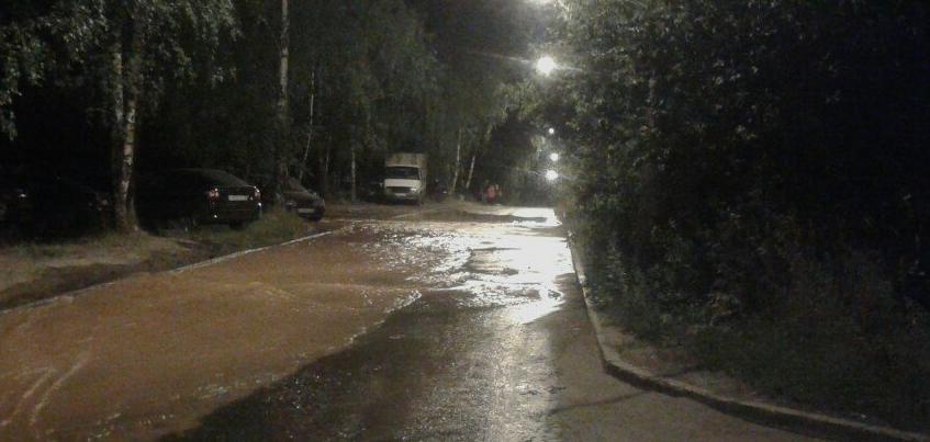 В Ижевске затопило улицу Барышникова