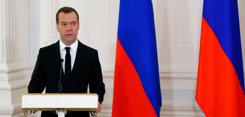 Глава Удмуртии обсудит ремонт ижевского аэропорта с Дмитрием Медведевым