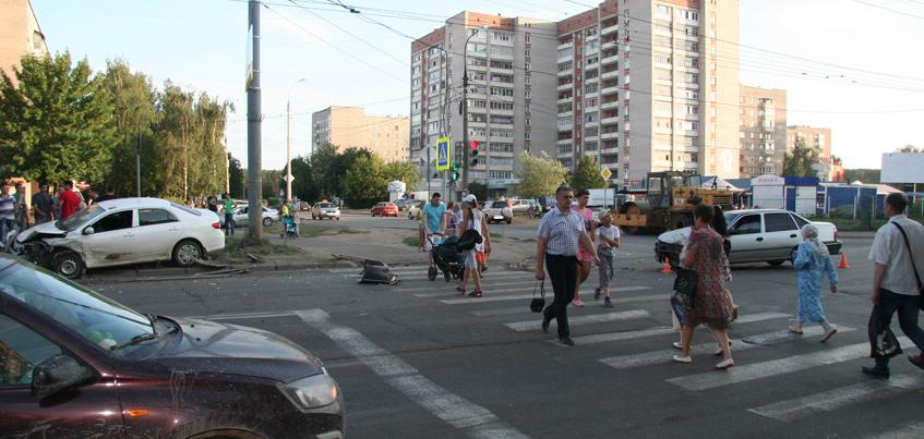 В ДТП в Ижевске пострадал 7-летний мальчик и погиб пешеход