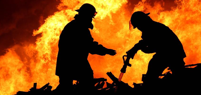 В Удмуртии из-за детской шалости и недосмотра родителей сгорели три дома