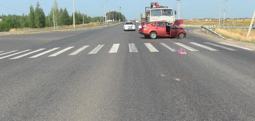 В Удмуртии водитель «Лады» погиб после столкновения с «КАМАЗом»